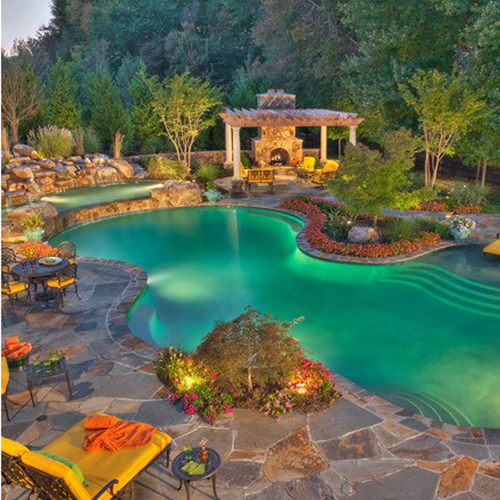Selling Homes with Pools: Tips and Tricks